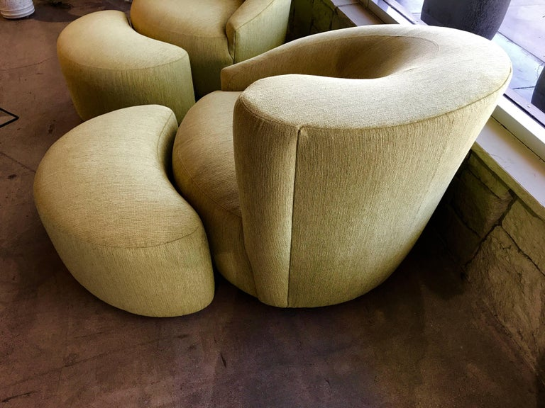 20th Century Pair of Vladimir Kagan Designed Nautilus Chairs with Matching Ottomans For Sale