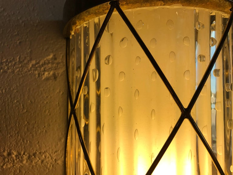 Beautiful Pair of Wall-Mounted Brass and Glass Sconces In Good Condition For Sale In Palm Springs, CA