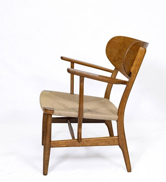 Hans Wegner CH-22 Lounge Chair In Excellent Condition For Sale In Los Angeles, CA