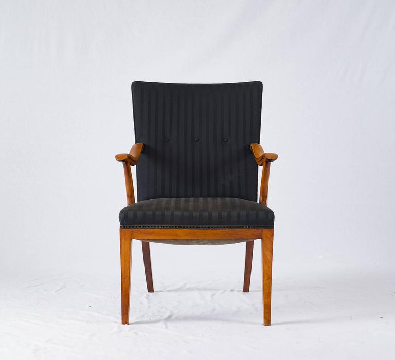 Frits Henningsen lounge chair.
