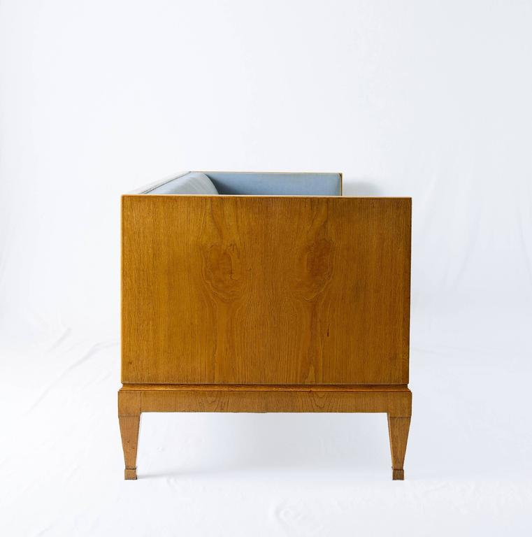 Mid-20th Century Frits Henningsen Sofa For Sale