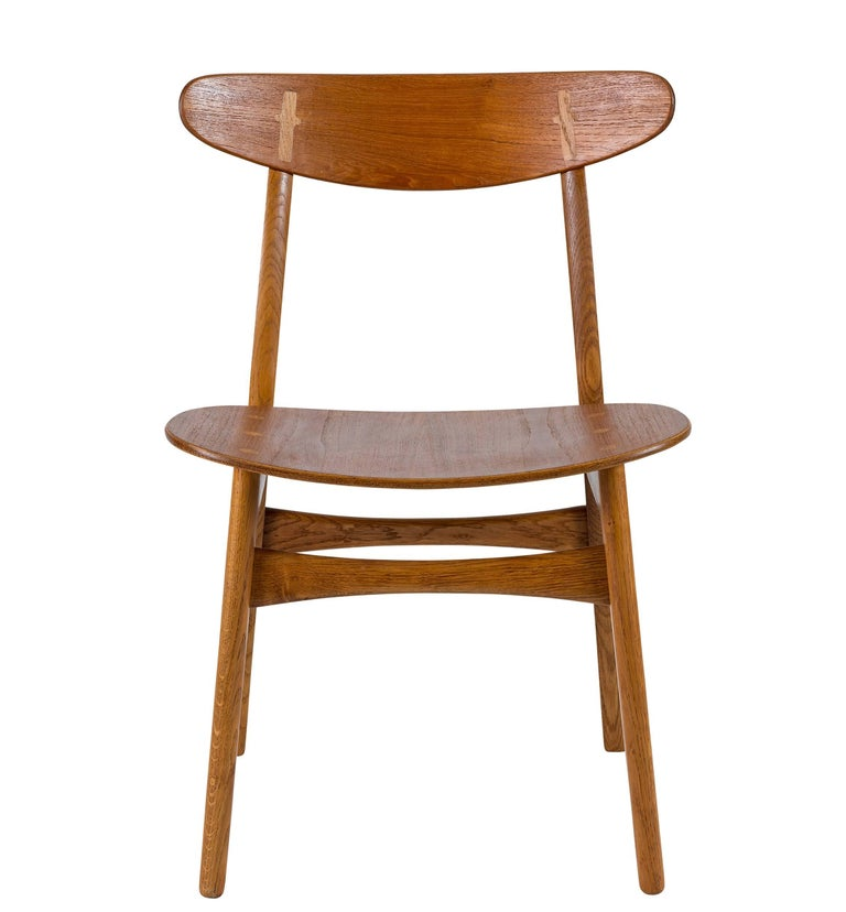 Scandinavian Modern Set of Eight Hans Wegner CH 30 Dining Chairs For Sale