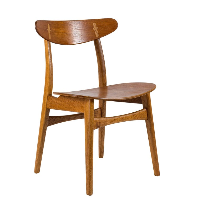 Set of eight Hans Wegner CH-30 dining chairs produced by Carl Hansen.