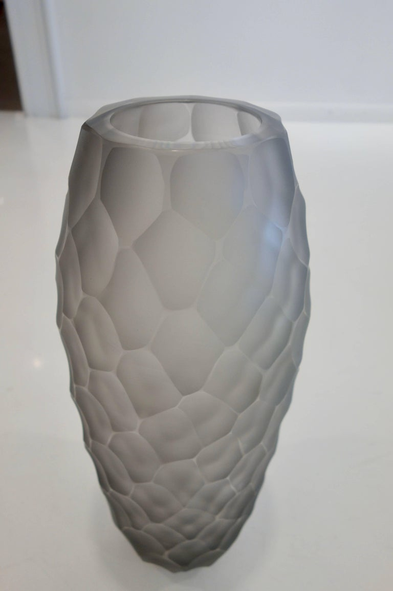 Pair of Alberto Donà Large Gray Frosted Faceted Italian Murano Vases In Excellent Condition For Sale In New York, NY