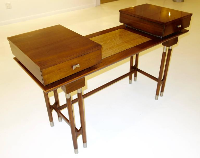 American Mid-Century Modern Writing Desk or Vanity For Sale