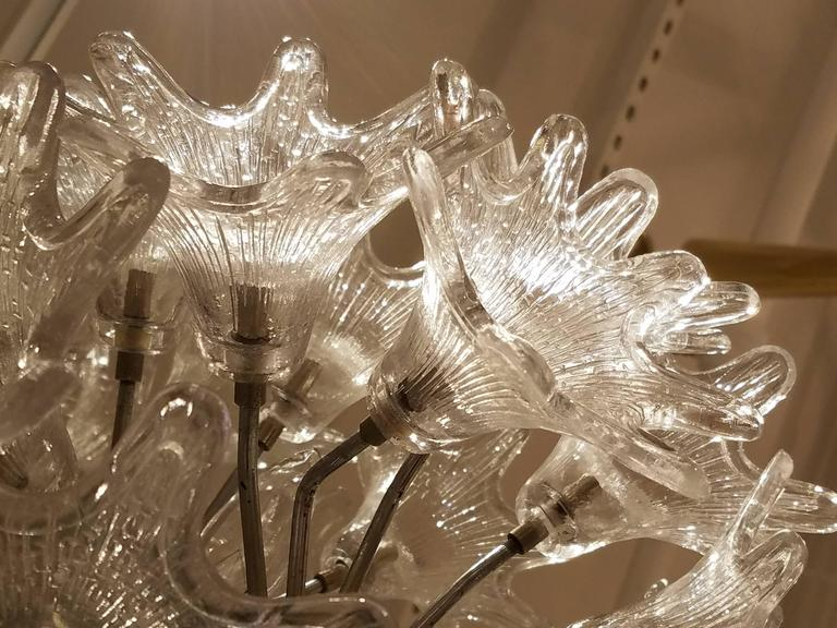 Mid-Century Italian Clear Floral Murano Glass and Chrome Chandelier For Sale 1