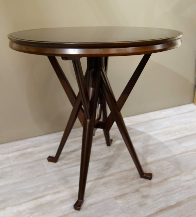 Mid-Century Modern Pair of Cassina 1950s Italian Wood And Glass Circular Side or End Tables  For Sale