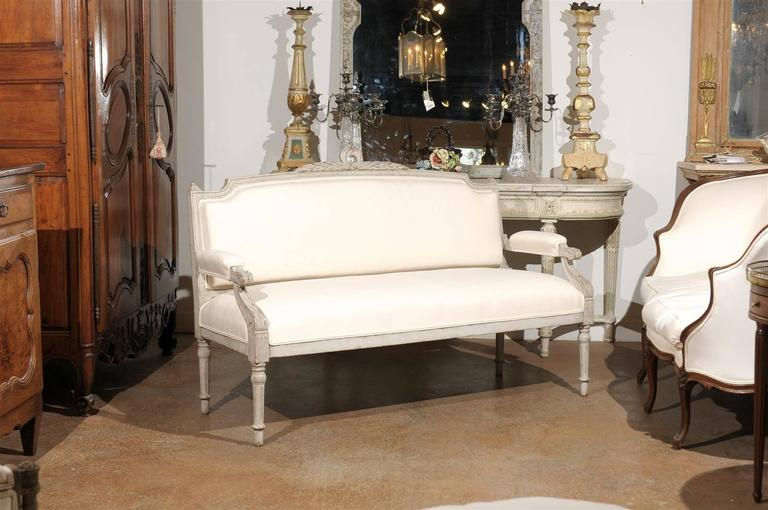 Swedish 1880s Neoclassical Style Painted Sofa with Carved Rail and Scrolled Arms In Good Condition For Sale In Atlanta, GA
