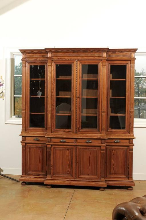 French Pitch Pine Glass Doors Breakfront Bookcase from the Turn of the Century For Sale 1