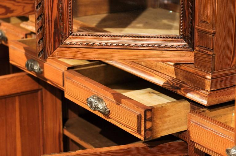 French Pitch Pine Glass Doors Breakfront Bookcase from the Turn of the Century For Sale 3