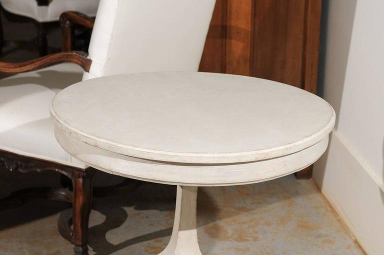 19th Century Swedish Cream Painted Wood Guéridon Table with Pedestal Base, circa 1890 For Sale