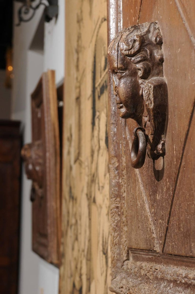 Pair of French 17th Century Wooden Panels with High-Relief Carved Cherubs For Sale 5