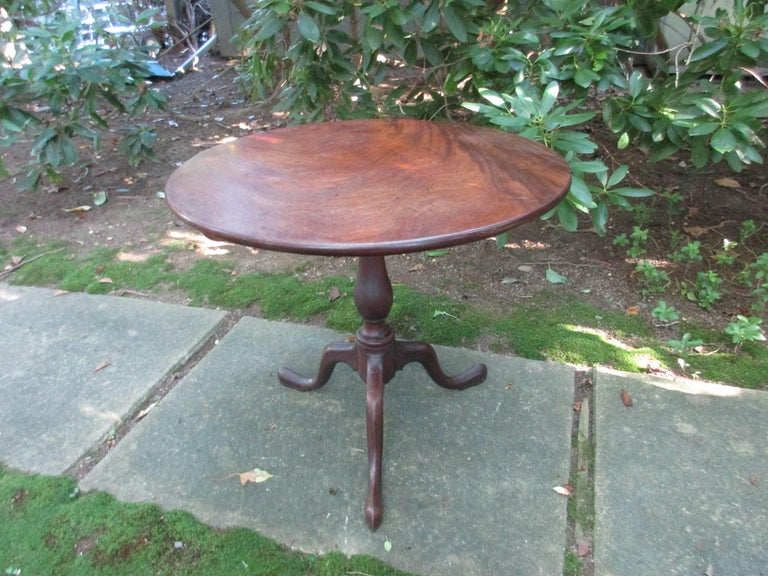 18thc Georgian Mahogany Tilt Top Table In Good Condition For Sale In Water Mill, NY