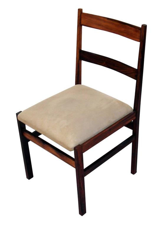 Mid-Century Modern Vintage 1970s Suede Upholstered Jacarandá Dining Chair For Sale