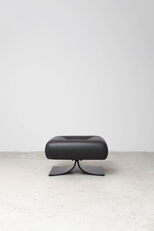 Alta Chair and Ottoman by Oscar Niemeyer For Sale 1