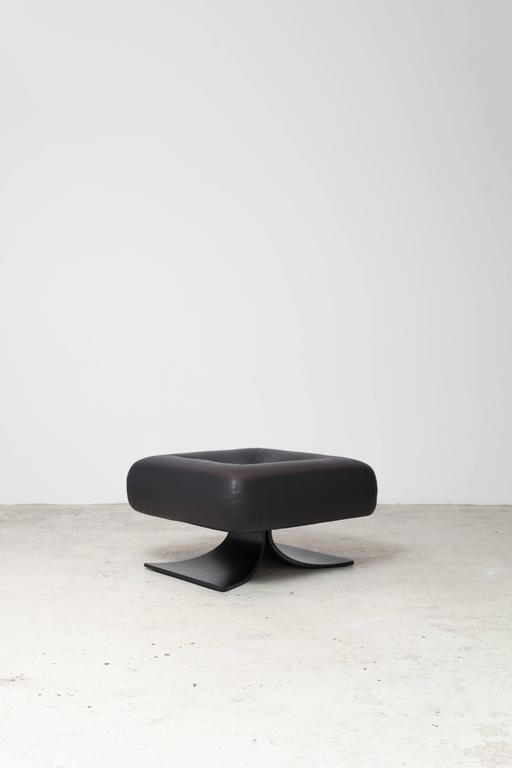 Contemporary Alta Chair and Ottoman by Oscar Niemeyer For Sale