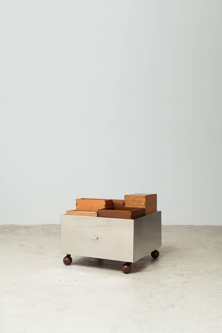 Toto Bar Trolley by Isay Weinfeld 6