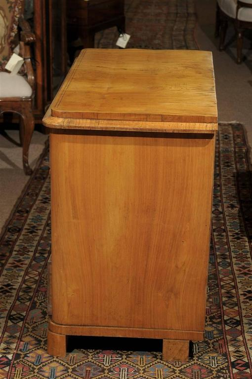 Petite Biedermeier in Ash with Three Drawers and Ebonized Detail, ca. 1830 For Sale 1