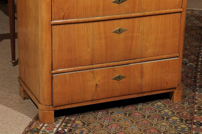Petite Biedermeier in Ash with Three Drawers and Ebonized Detail, ca. 1830 For Sale 4