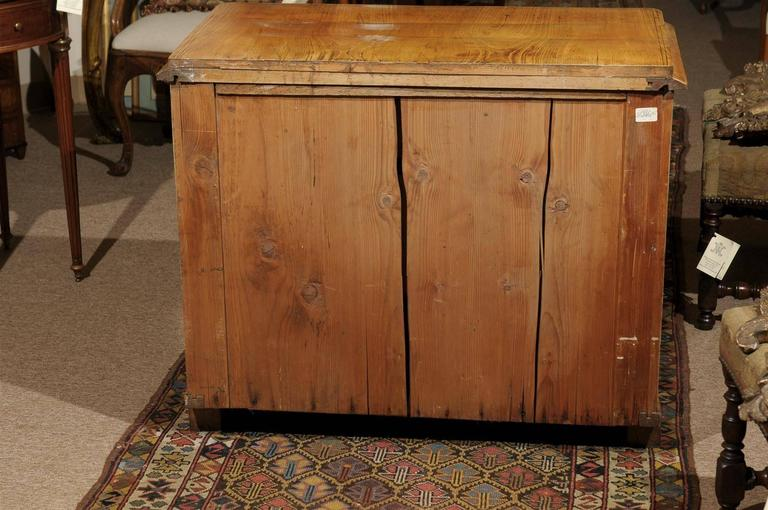 Petite Biedermeier in Ash with Three Drawers and Ebonized Detail, ca. 1830 For Sale 5