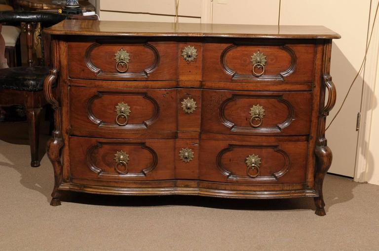 18th century french louis xiv style walnut commode for sale at 1stdibs. Black Bedroom Furniture Sets. Home Design Ideas