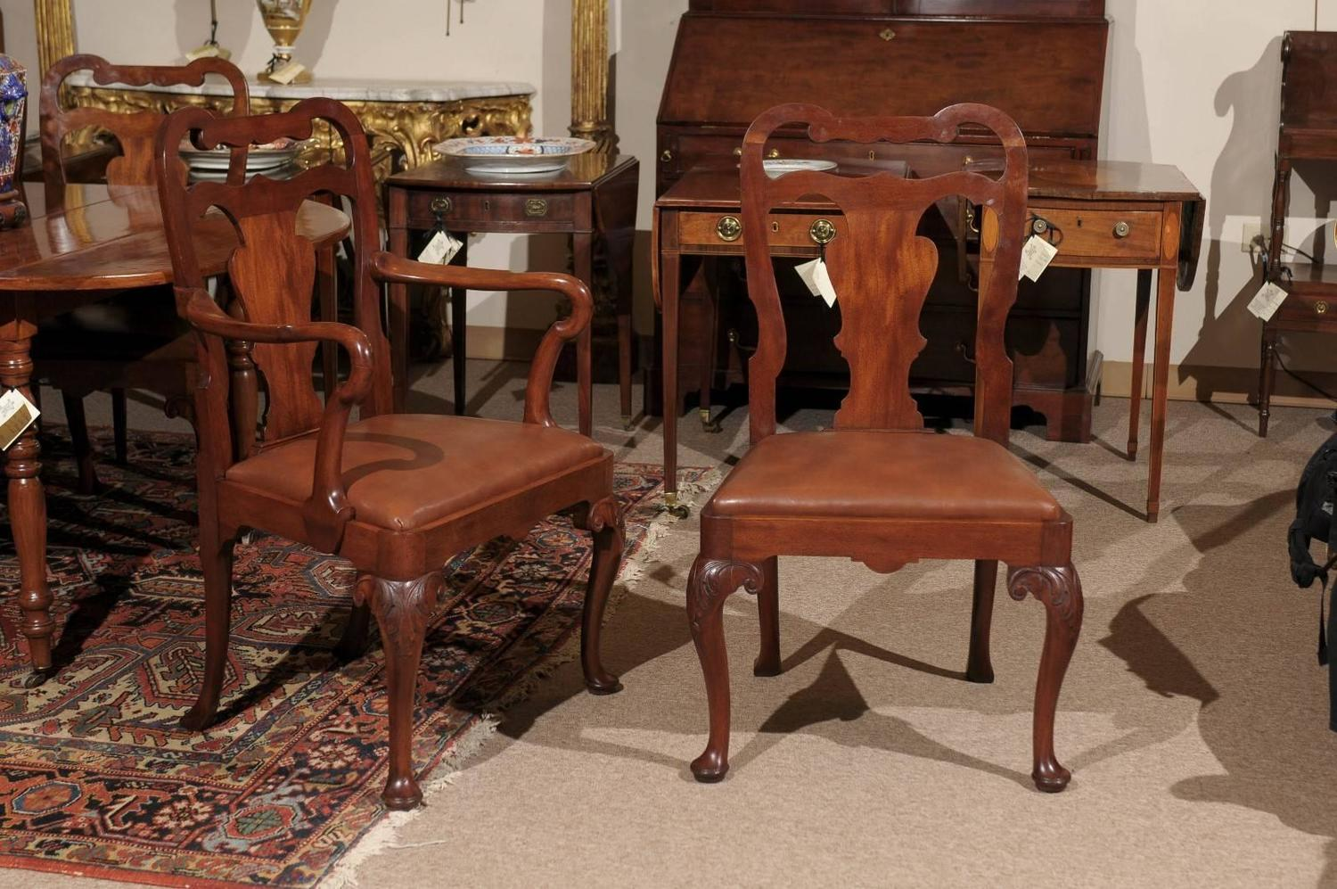 Set of Eight Queen Anne Style Mahogany Dining Chairs  : 102020167578Customz from www.1stdibs.com size 1500 x 997 jpeg 202kB