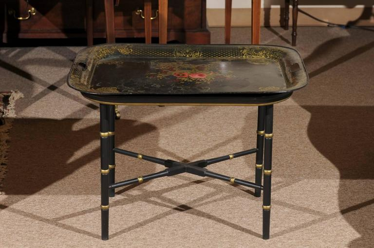 French Tole Tray Table with Flower Basket Design, 19th Century For Sale 1