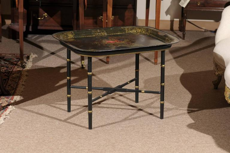 French Tole Tray Table with Flower Basket Design, 19th Century For Sale 3