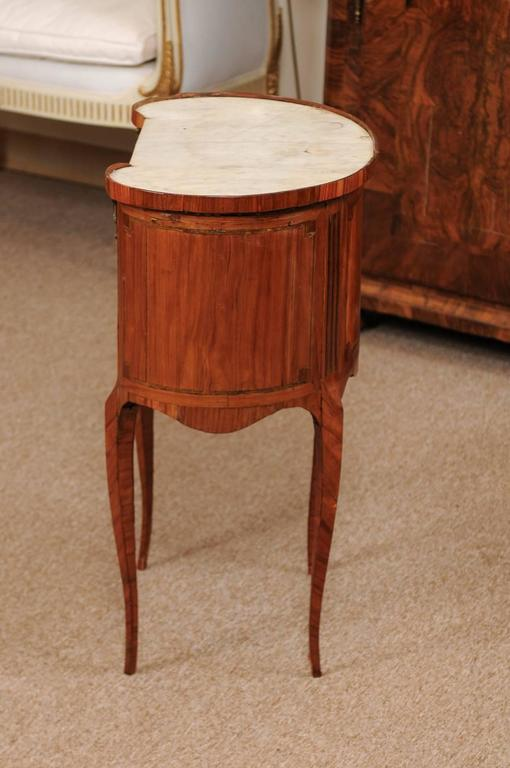 18th Century French Louis XVI Period Kidney Shaped Tulipwood Table with Marble For Sale 1