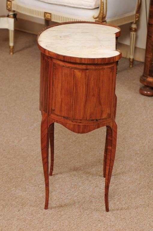 18th Century French Louis XVI Period Kidney Shaped Tulipwood Table with Marble For Sale 2