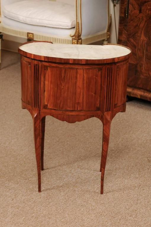 18th Century French Louis XVI Period Kidney Shaped Tulipwood Table with Marble For Sale 4