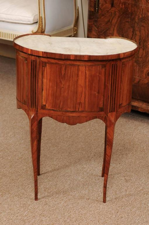18th Century French Louis XVI Period Kidney Shaped Tulipwood Table with Marble For Sale 7