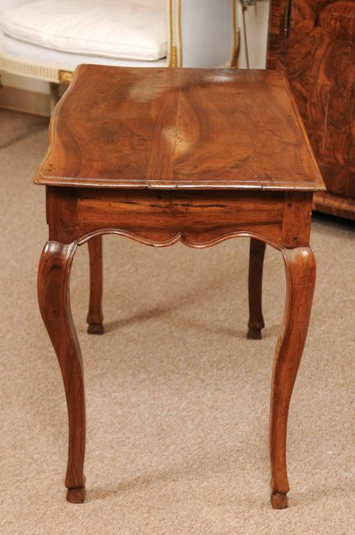 18th Century Louis XV Walnut Table with Drawer and Hoof Feet In Good Condition For Sale In Atlanta, GA