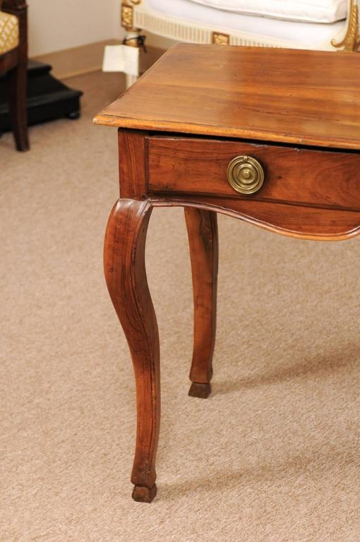 18th Century Louis XV Walnut Table with Drawer and Hoof Feet For Sale 2