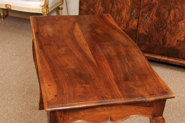 18th Century Louis XV Walnut Table with Drawer and Hoof Feet For Sale 1