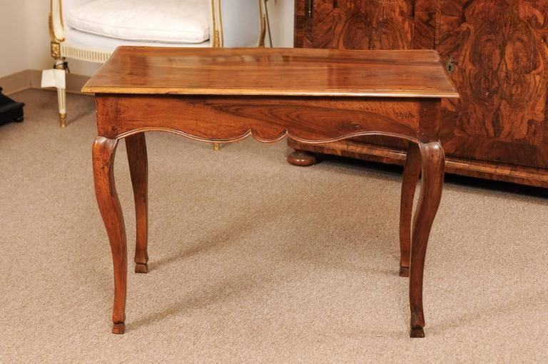 18th Century Louis XV Walnut Table with Drawer and Hoof Feet For Sale 4