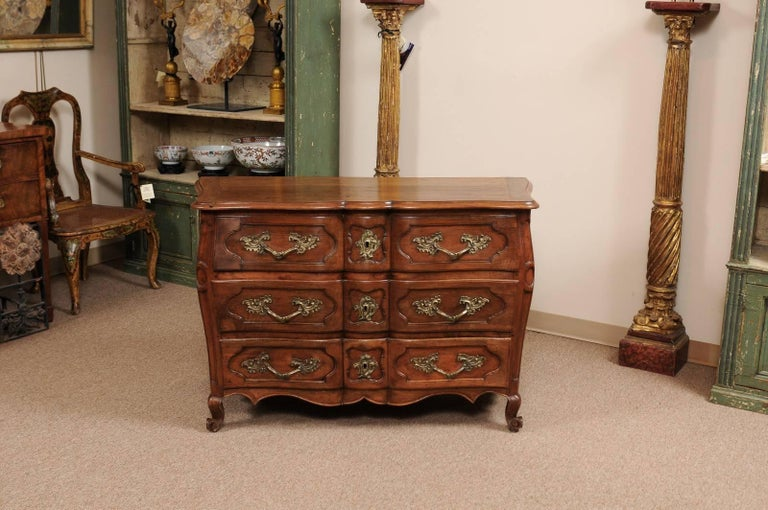 Hand-Carved 18th Century French Walnut Louis XV Three-Drawer Commode with Linen Fold Front For Sale