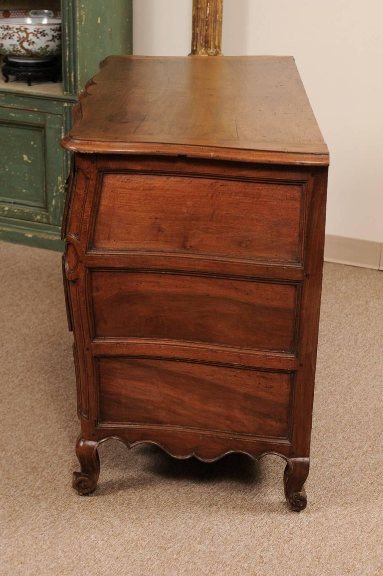 18th Century French Walnut Louis XV Three-Drawer Commode with Linen Fold Front For Sale 5