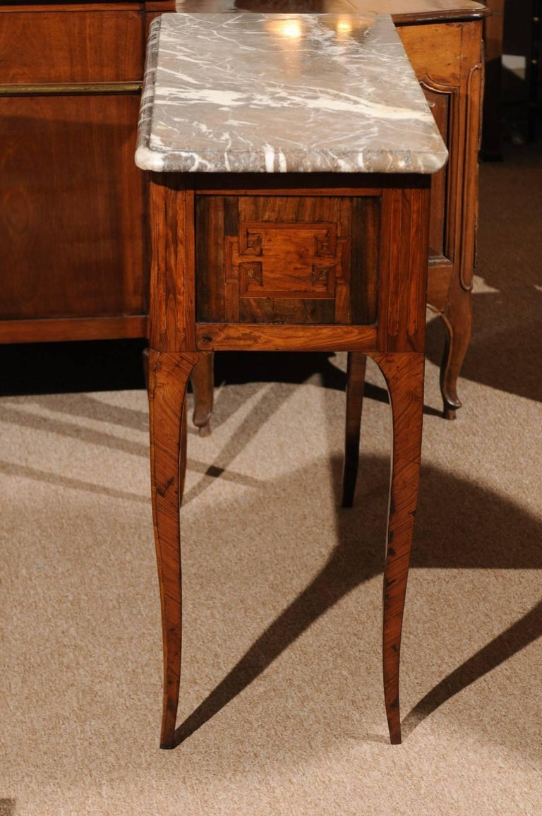 18th Century French Transitional Louis XV/XVI Commode en Console In Good Condition For Sale In Atlanta, GA
