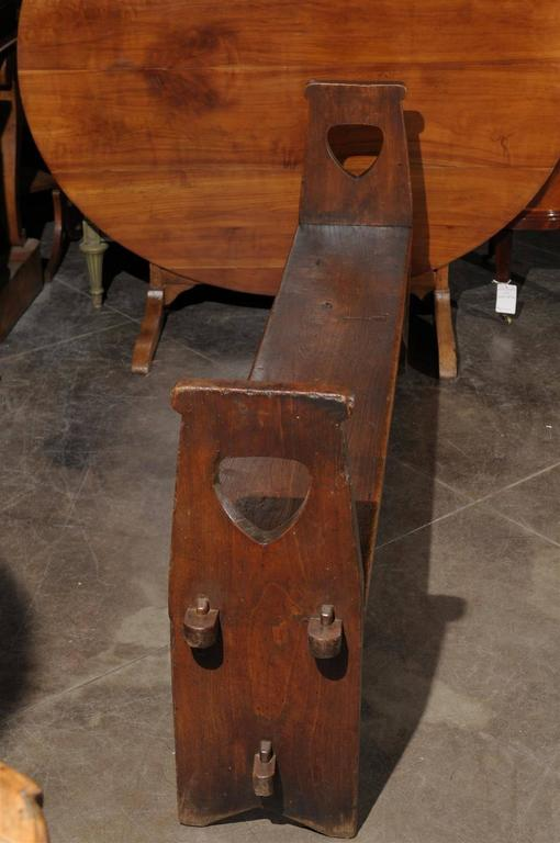 Narrow Tuscan Italian Wooden Bench with Stretcher from the Early 19th century For Sale 1