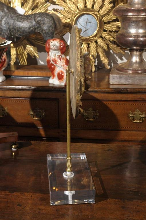 French Carved Giltwood Medallion on Lucite Base from the Late 19th Century For Sale 4