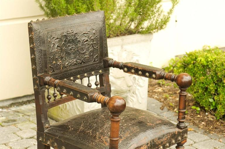 French 19th Century Embossed Leather Upholstered Wooden Armchair with Open Arms For Sale 1