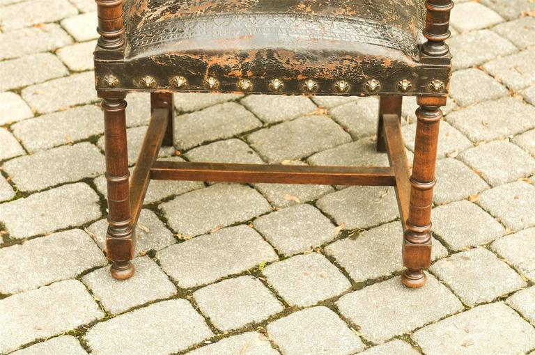 French 19th Century Embossed Leather Upholstered Wooden Armchair with Open Arms For Sale 7