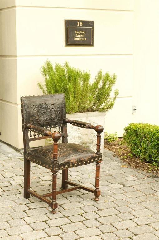 French 19th Century Embossed Leather Upholstered Wooden Armchair with Open Arms In Good Condition For Sale In Atlanta, GA