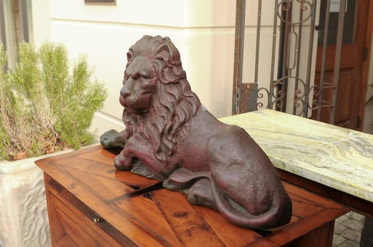 19th century Victorian English Cast-Iron Lion Doorstop with Old Red Patina For Sale 3