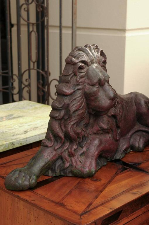 19th century Victorian English Cast-Iron Lion Doorstop with Old Red Patina For Sale 1