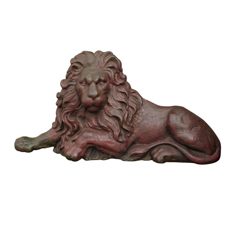 19th century Victorian English Cast-Iron Lion Doorstop with Old Red Patina  For Sale - 19th Century Victorian English Cast-Iron Lion Doorstop With Old Red