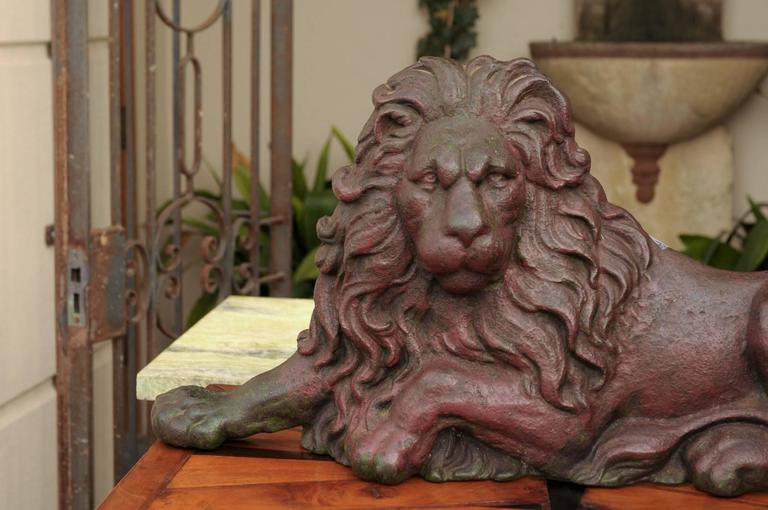19th century Victorian English Cast-Iron Lion Doorstop with Old Red Patina For Sale 5