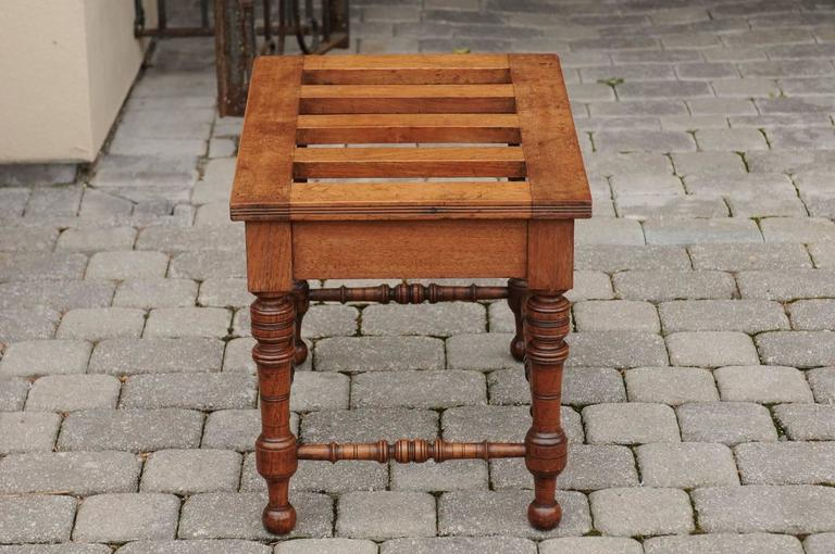 English Mahogany Luggage Rack from the Late 19th Century with Turned Legs For Sale 2