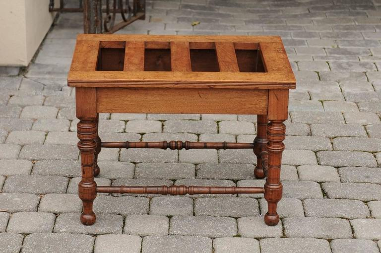 English Mahogany Luggage Rack from the Late 19th Century with Turned Legs For Sale 3